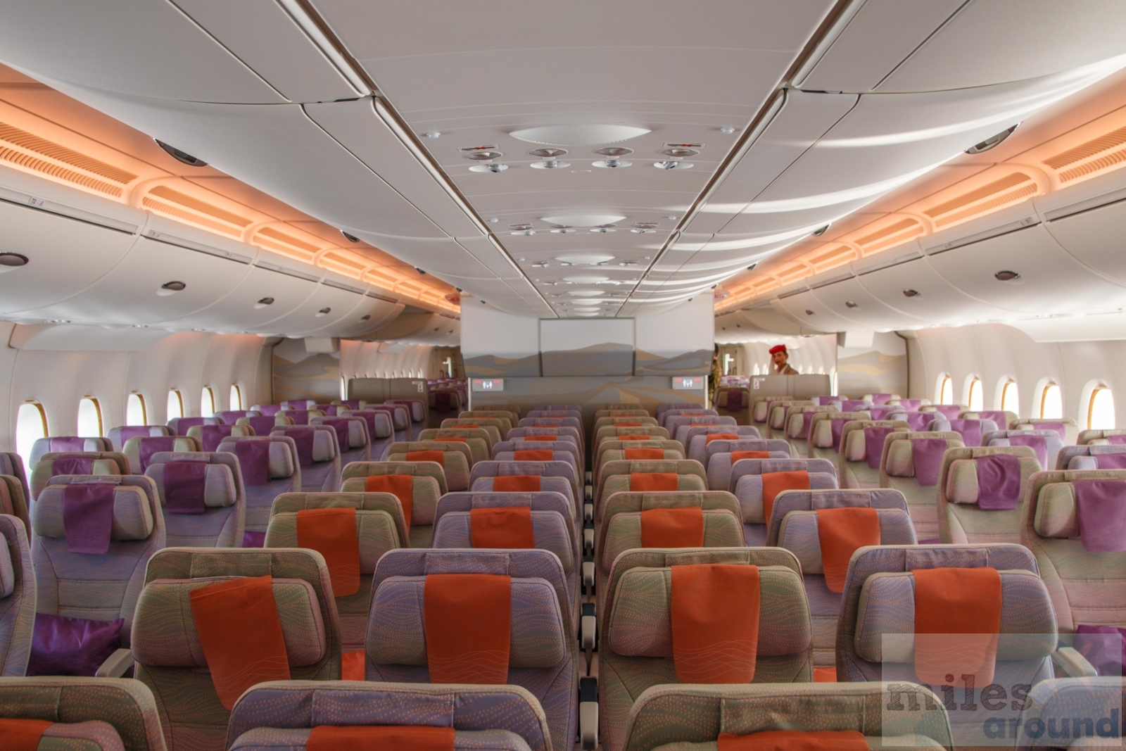 Airline review emirates airbus a380 for Airbus a380 emirates interior