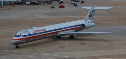 American Airlines MD-82